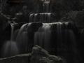 Wasserfall unter Bruecke